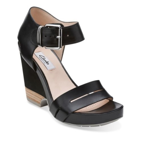 CLARKS Rosalie Pose Leather Wedge Sandals
